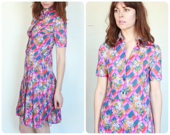 1970's Short Mod Pop Mini Dress Size Small