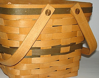 Longaberger Cranberry Basket 1995 Christmas Edition Hand Crafted Swivel Handles Plastic Liner Cranberry Scoop