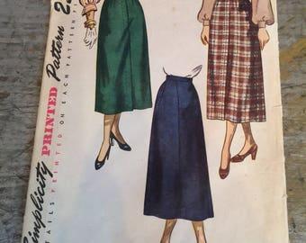 Vintage Simplicity 2624 Sewing Pattern Misses' Skirt Waist 24 Hip 33