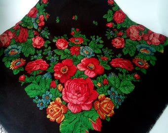 Floral scarf Wool scarf Vintage shawl Vintage ukrainian shawl Russian shawl grandmother Gift made in ussr Shawl black Shawl  floral pattern