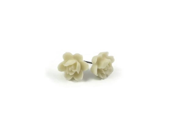 White Orchid flower stud earrings - Hypoallergenic pure titanium and resin