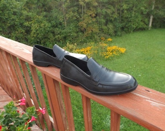 Rubber shoes size Medium Rubbers men natural Waterproof, Rain shoes,Totes,vintage rubbers. Men Rubber Galoshes. Rubber Overshoes Gift