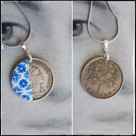 Necklace Portugal Tile Coin Antique 1 Escudo 1959 Unisex Azulejo, Blue Igreja de Sao Nicolau, 1671  (see photos) SILVER chain Gift Boxed