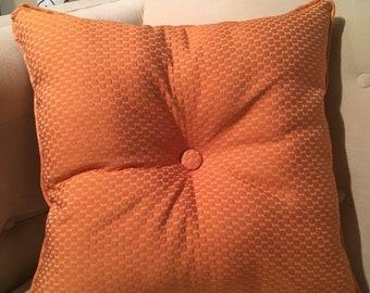 Retrofied - tufted orange