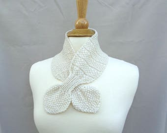 Ascot Scarf, Off White Cream, Cashmere & Merino Wool, Pull Through Keyhole, Small Neck Scarf, Hand Knit Neck Warmer