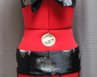 Mums the word Tie front halter and tassel belt