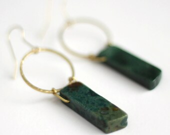 Geometric Green Agate and Hammered Brass Hoop Dangle Earrings