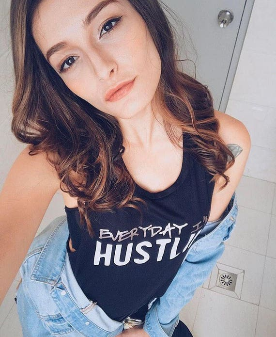 Everyday I'm Hustlin' / Statement Tank / Graphic Tank / Statement Tshirt / Graphic Tshirt / Statement Tee / Graphic Tee / T shirt (TL/BW)