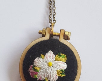 Embroidered Pendant- primrose
