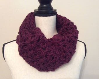 Chunky Crochet Cowl Neck Warmer, Cowl Scarf, Chunky cowl, Infinity scarf,Crochet scarf,Handmade Neck Warmer,Circle Scarf Color Plum/Wine