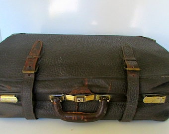 Vintage Leather Suit Case with Plaid Lining Train Case Textured leather 1920s Overnight Suitcase Brown