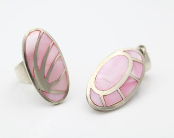 Vintage Sterling Silver and Pink MOP Inlay Sleek Artisan Pendant and Ring Set. [5127]