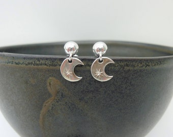 Moon earrings with little star, crescent moon earrings, silver moon earrings, moon and star earrings