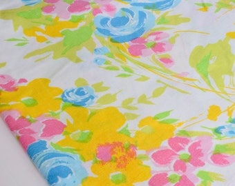 Vintage Twin Fitted Sheet, Kids Bedding, Condo size Bedding, Floral pattern, vintage floral pattern, Girls Bedding, Bright Colour Linen