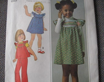 UNCUT FF Vintage 70's Childs Jumper, Top & Pants  Simplicity 7904  Size 5  Breast 24