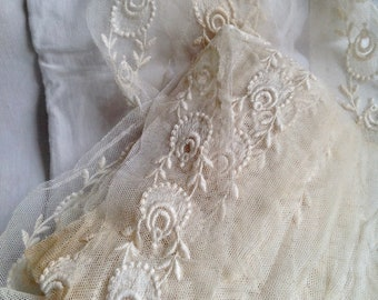 Antique Lace Oyster White Point de Gaze Antique Lace Trim Vintage Wedding Period Costume French Haberdashery sold by metre