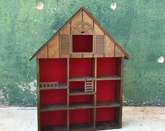 Vintage Hanging Wooden Knick Knack Shelf   Doll House   Miniatures Display