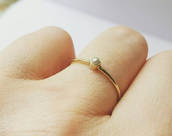 Minimalist 14K Yellow gold Pearl Stacking Ring. Pearl promise ring. Freshwater pearl Solitaire stacking ring. Delicate Gold wedding ring.