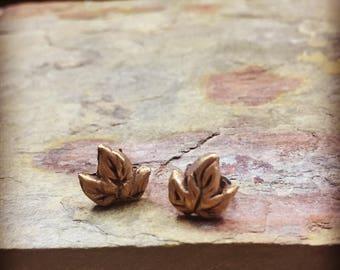 Mini Earings, minimalist eareangs, gold earrings, stud earrings, leaf earrings, star earrings, dove earrings