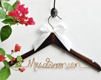 Wedding Gift,Bride gift,Personalized Wedding Hangers,Name Hanger,shower gifts custom made wedding Hangers,Bridal Hanger