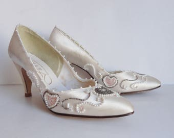 Ivory Vintage Satin Pumps With Beads And Sequins // Fiorito // Size 38,5 // Made In England