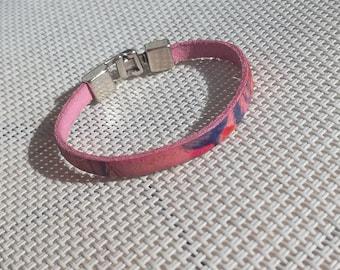 Women's leather bracelet, toggle clasp