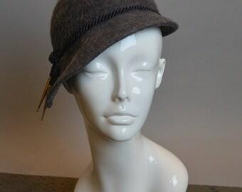 30s Felt Hat// Cloche Wool Hat// Gray Felt Cloche (F1)