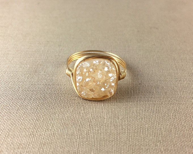 Peach Druzy Ring // Square Peach Druzy Ring, champagne druzy, square ring, gemstone ring, jewelry under 25, wire wrapped ring, drusy ring