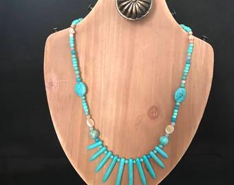 Turquoise graduated stone necklace
