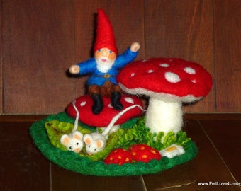 WALDORF Playscape of GNOME and MICE. ©17cm across 9cm tall.