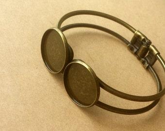 2PCS  Brass Antique Bronzed Bracelet with two 20 mm Round Pad Cabochon Setting BLB06