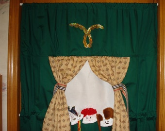 Doorway Puppet Theater classroom aid stage