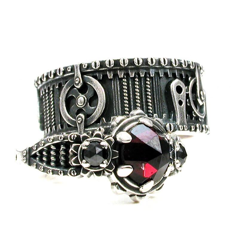 zoom - Garnet Wedding Rings