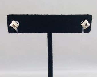 1 Pair of Silver-Tone Square Stud Invisible Clip On Earrings