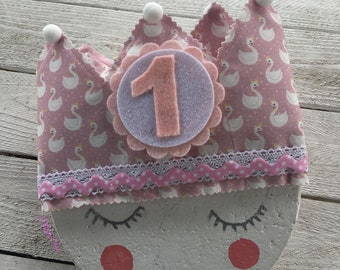 Fabric crown for Rosita birthday with swan print