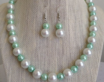 Mint Green Wedding Jewelry, Seafoam Mint Green Pearl Necklace, Chunky Pearl Necklace, Bridesmaid Jewelry Gift, Seafoam Green Wedding