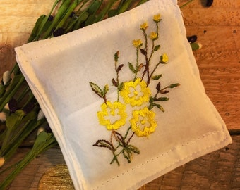 Up-cycled, Vintage Handkerchief Sachet with Organic, French Lavender