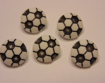 5 small / tiny acrylic soccer ball buttons, 11 mm (7)