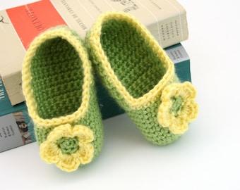 PDF DIGITAL PATTERN:Crochet Baby Booties Pattern,Crochet Baby Shoes Pattern,Baby Crochet Shoes,Crochet Baby Slipper Pattern,Green Baby Shoes