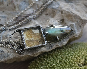 Real moss necklace with LABRADORITE , Mirror Necklace, Fairytale Gift, Labradorite  necklace, Forest necklace, Raw stone pendant, Glass