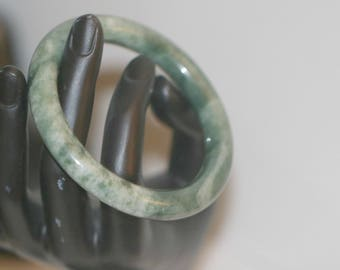Vintage Green Jade Bracelet, Asian Chinese Jewelry, Jade Bangle Bracelet, Green Jade Chinese Oriental Jade Bracelet, Small Wrist Bracelet