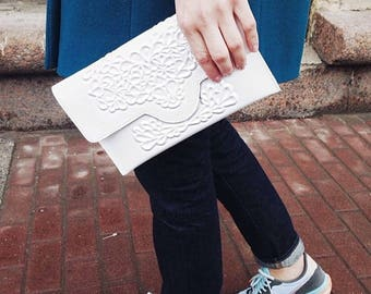 Vegan clutch bag, white clutch purse, white vegan bag, flower pattern clutch, classic white clutch, white wedding clutch, MeDusa bags