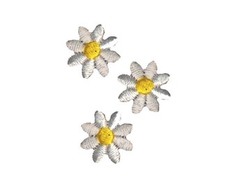 Trio of Daisies Iron On Applique, Floral Iron On Patch, Daisy Patch, Flowers Patch, Flower Applique, Embroidered Patch, Pack of 3