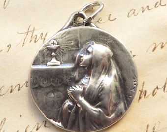 First Holy Communion Girl's Medal - Sterling Silver Antique Replica