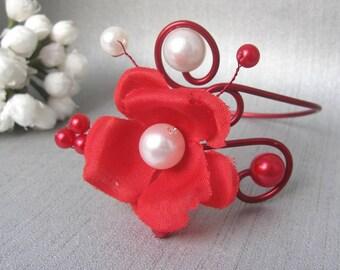 Red and white bracelet Anaïs v4 'Les Volutes' wedding