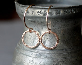 small rose gold hammered circle earrings | hammered circle drop earrings | rose gold everyday earrings