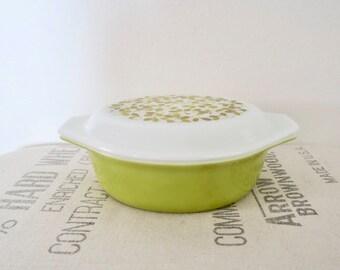 Vintage Pyrex Verde Olive Covered Oval 1 1/2 Quart Casserole Dish 043