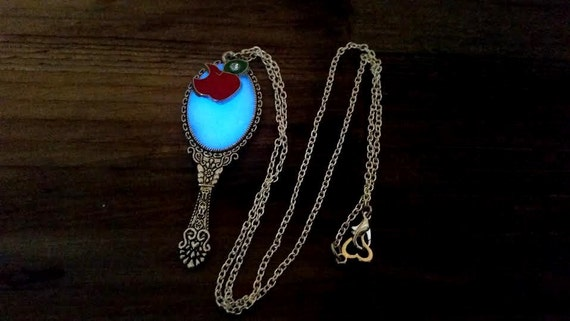 Glowing Mirror Necklace, Evie's Magic Mirror, Glow in the Dark Evil Queen Necklace, OUAT, Snow White Necklace, Beauty and the Beast Mirror