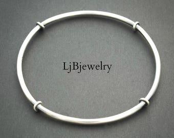 Silver Bangle, Silver Stacking Bangle, Handmade Bangle, Sterling Silver, Artisan Jewelry, Metalsmith, Metalwork, Art Jewelry