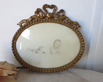 Pretty Antique French Gilt Wood Frame, Oval Ribbon Bow Decor, Paris Apartment Chic Picture Display, Gilded Carved Wooden Frame